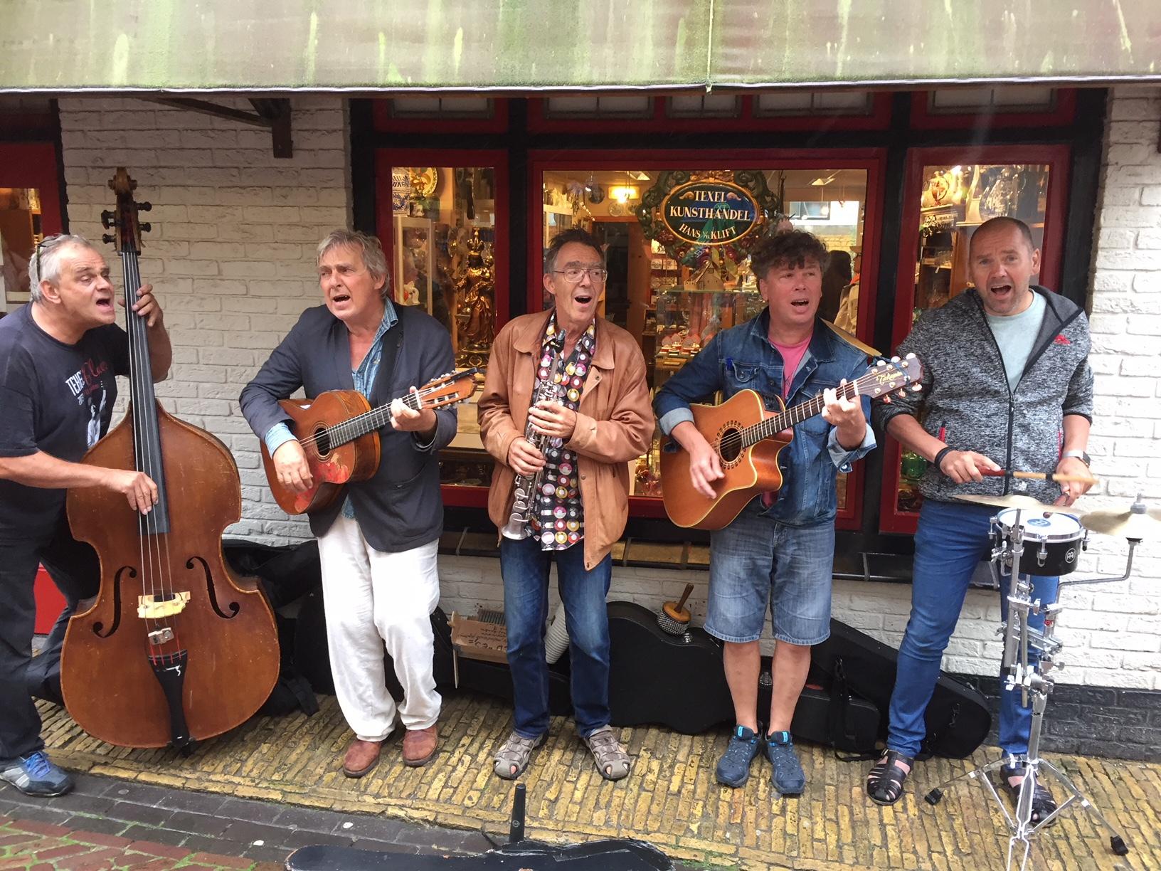 Https://theaterkerkhemels.nl/contact/